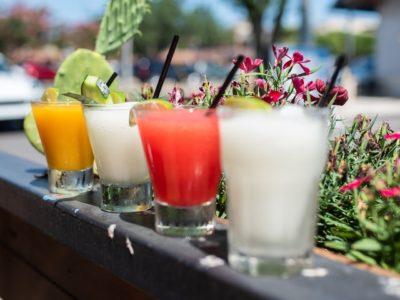Frugtig cocktail